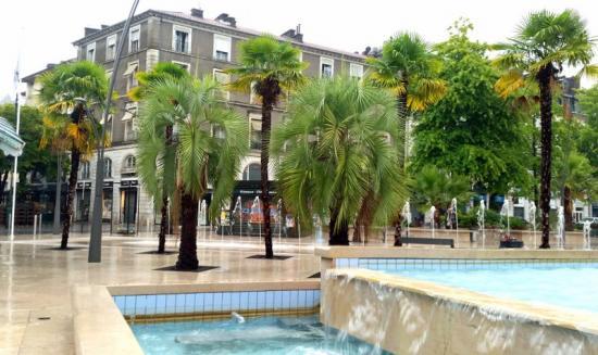 Place Georges Clémenceau, Pau.