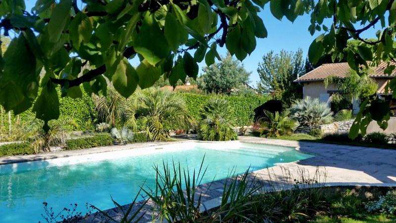 Jardin aloha abords piscine